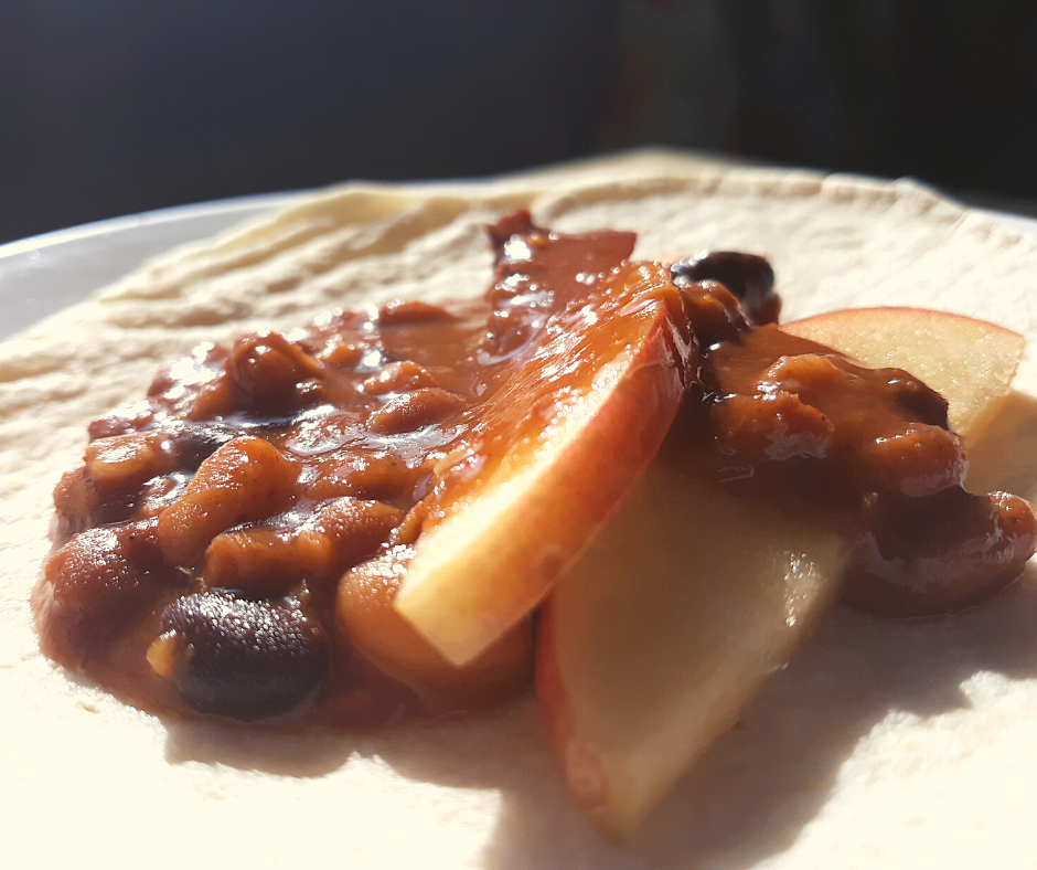 sweet chili and apples on tortillas